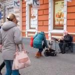 Cão e humano fazem dueto na Ucrânia