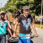 O amor não tem preço: Cães e moradores de rua
