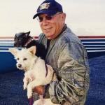 Pilotos voam de graça para salvar cães