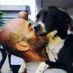 Morador de rua vende carroça para pagar veterinário e salvar cão